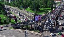 Najveće gužve na Autokomandi, Beograđani izlazili iz autobusa i išli peške