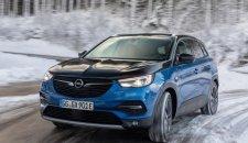 Odvezite se na planinu: Opelovi električni automobili su jaki u planinskim predelima